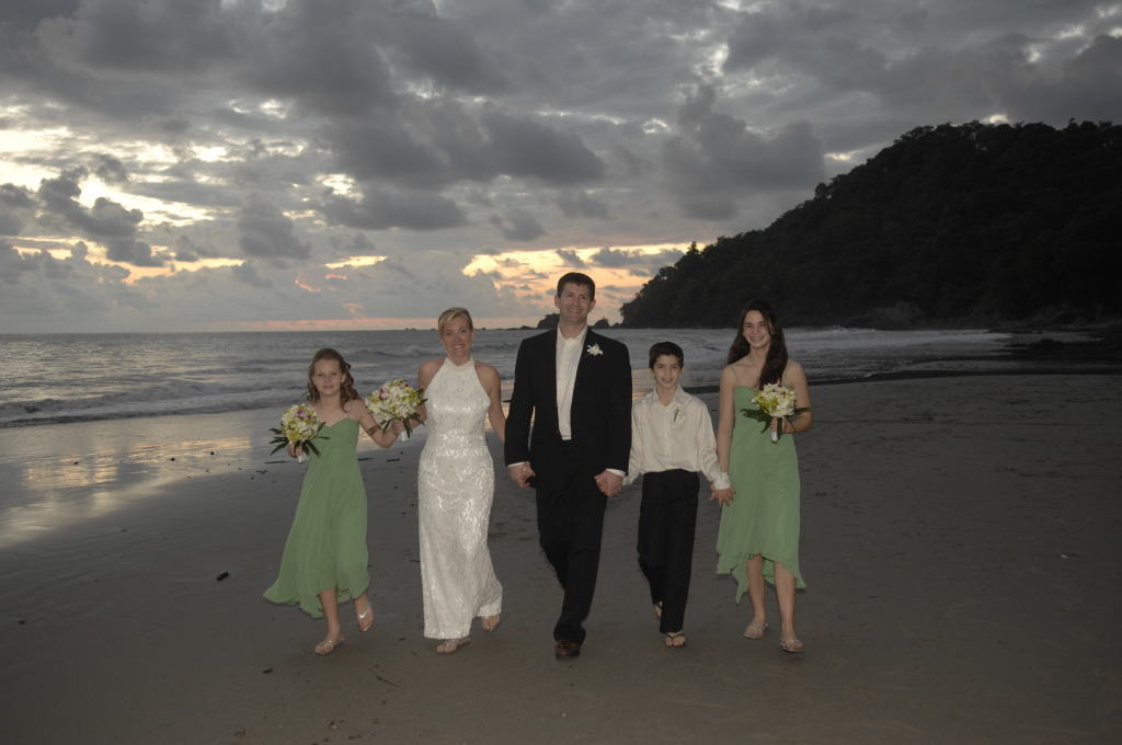 Sunset Wedding photo shoot on the beach of Manuel Antonio