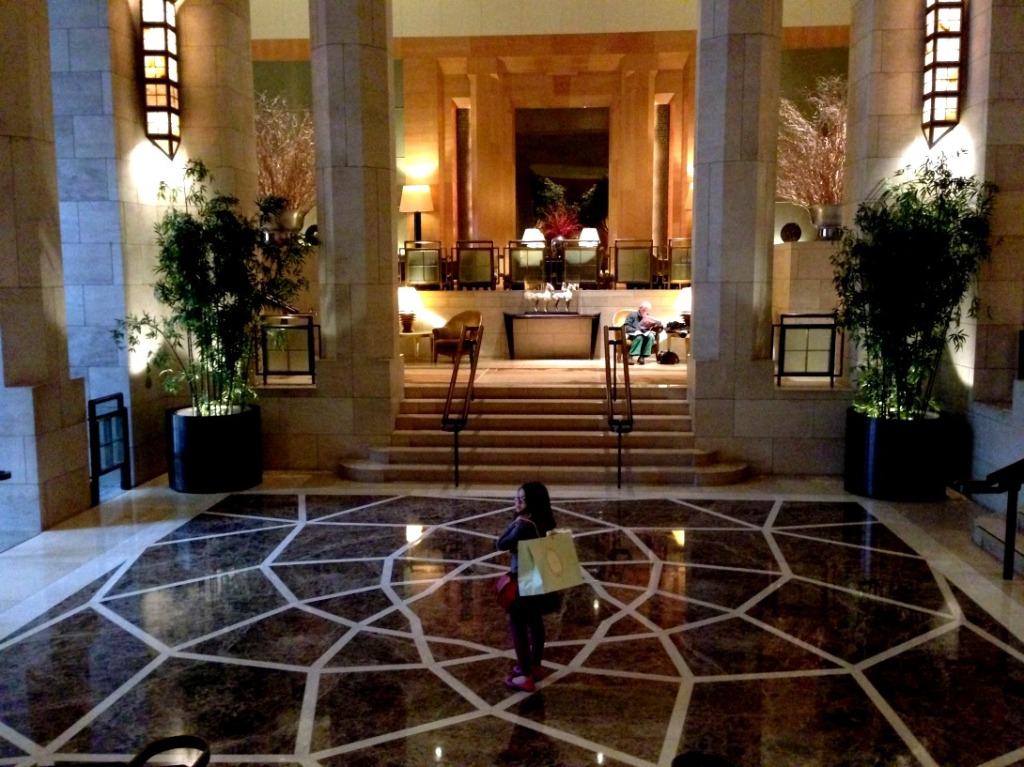 four-seasons-new-york-lobby