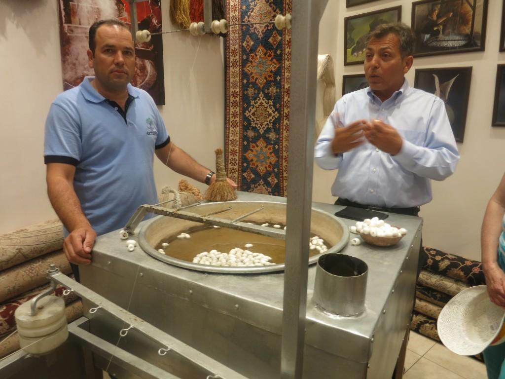 Ege-Hali Carpets Demonstration