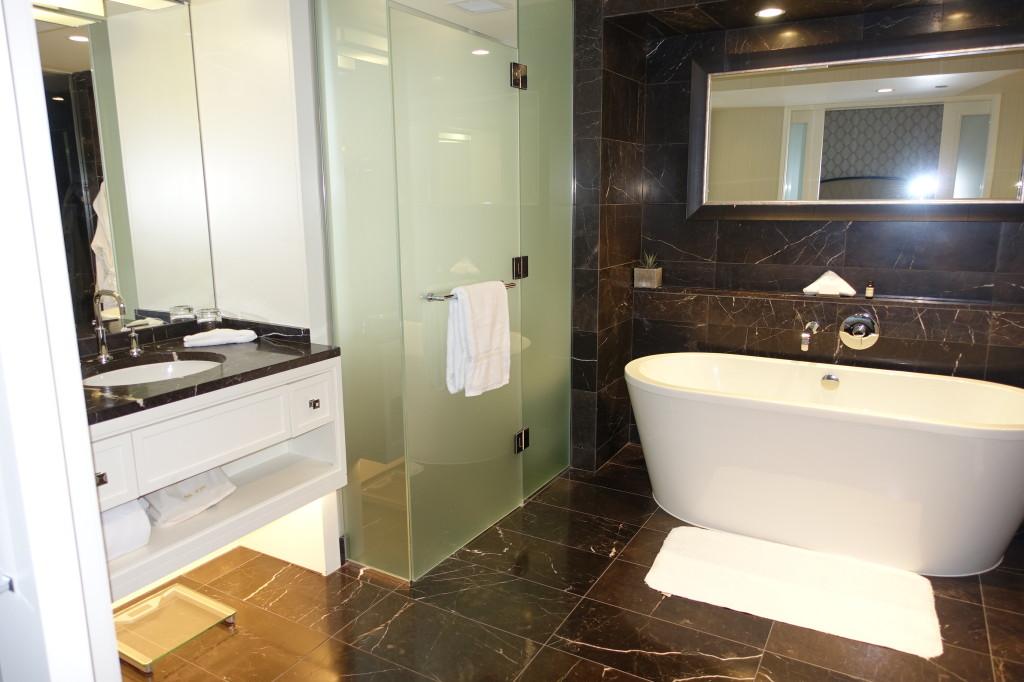 Rosewood Hotel Georgia Deluxe Guest Room Bathroom