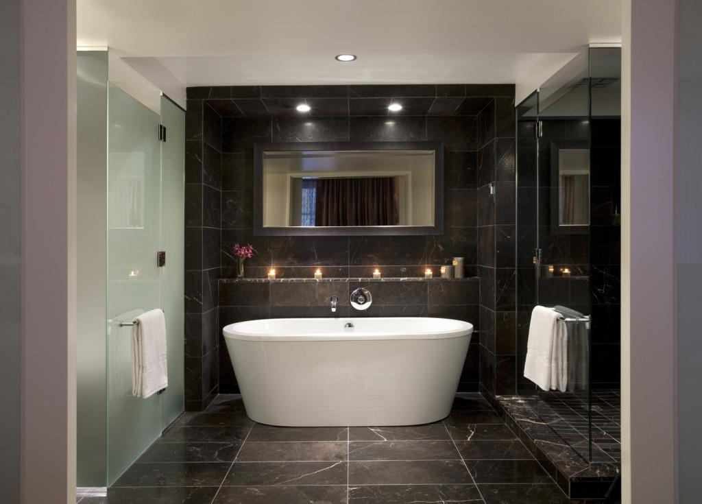 Deluxe Guest Room Bathroom (photo credit Rosewood Hotel Georgia)