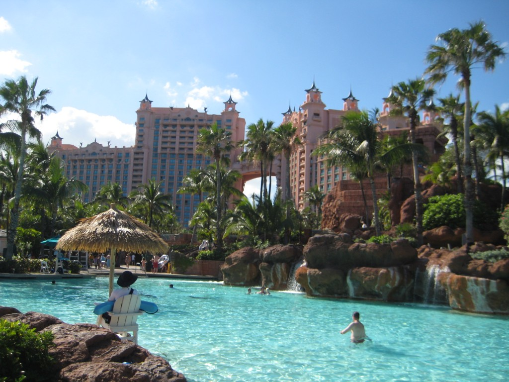 What 39 s atlantis carmen edelson luxury travel blogger for Atlantis pools