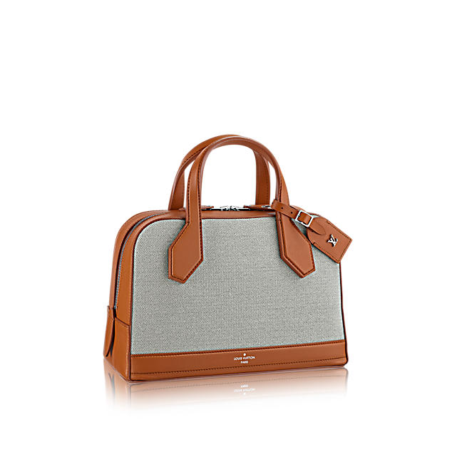 louis-vuitton-dora-pm-special-handbags--M93244_PM2_Front view