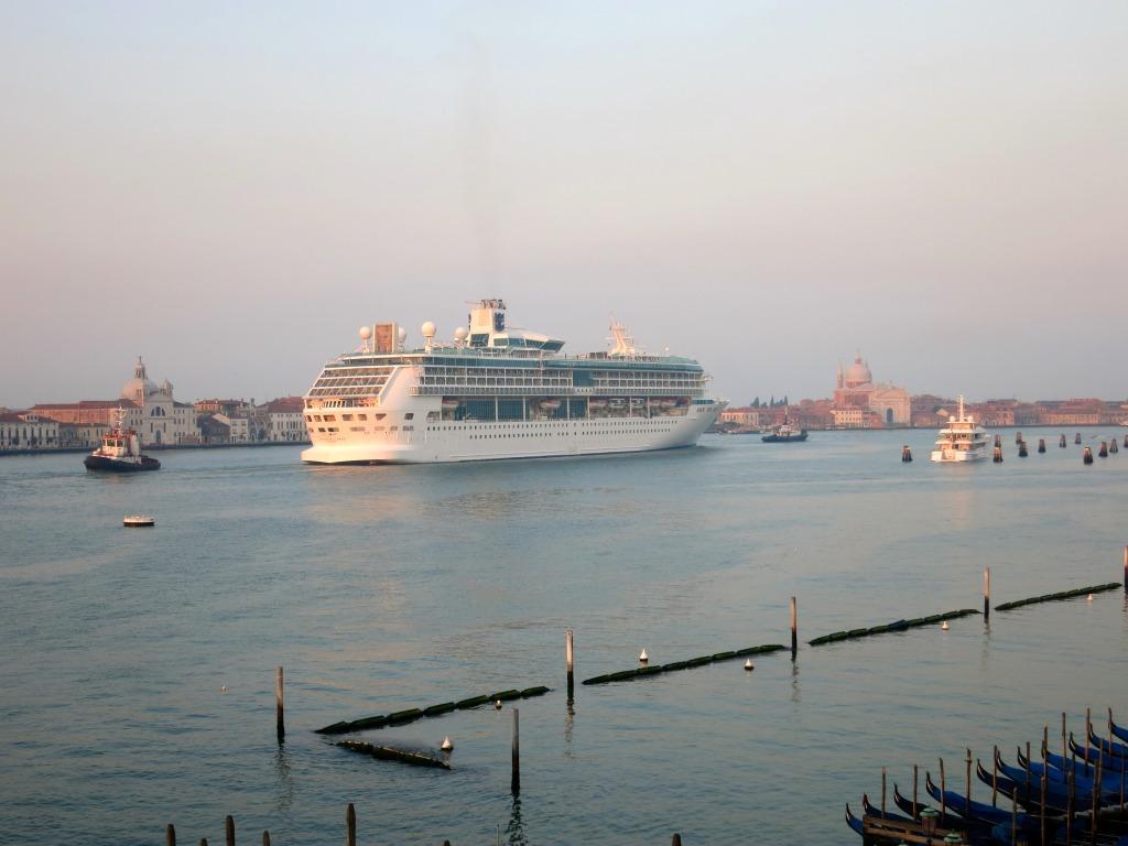 Splendor of the Seas, Venice