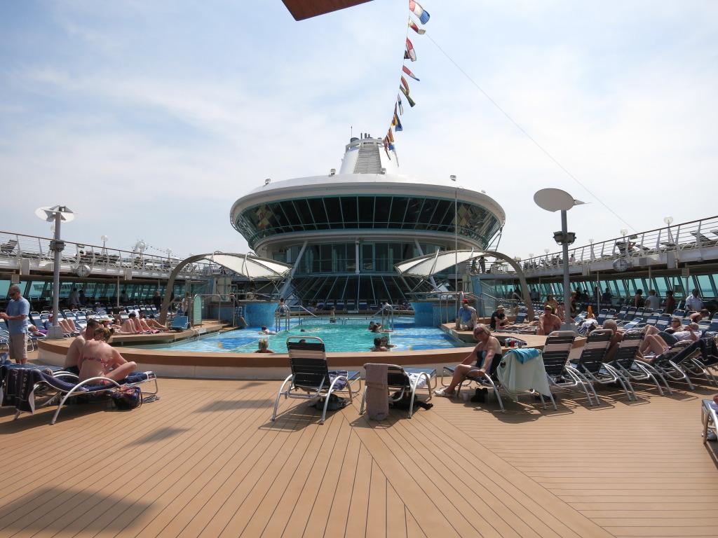 Splendour of the Seas - Pool Area