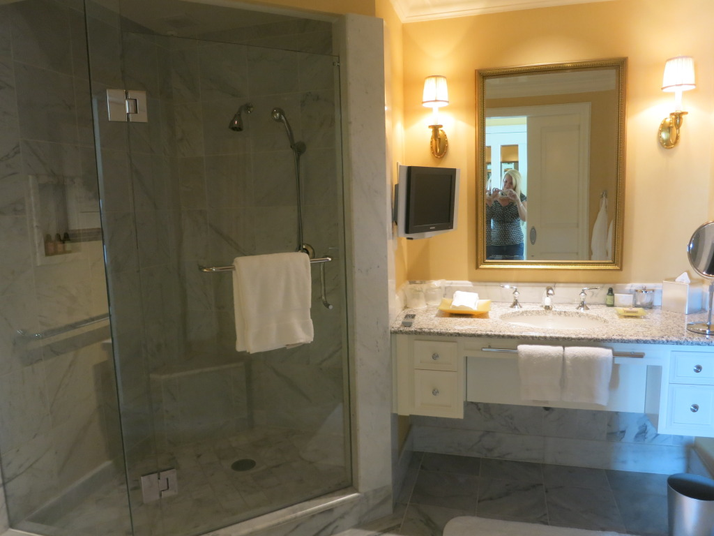 Four Seasons Hotel Westlake Village - Deluxe One Bedroom Suite Bathroom