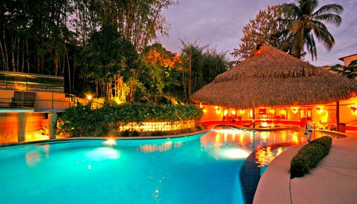 Pool Area at Si Como No Hotel