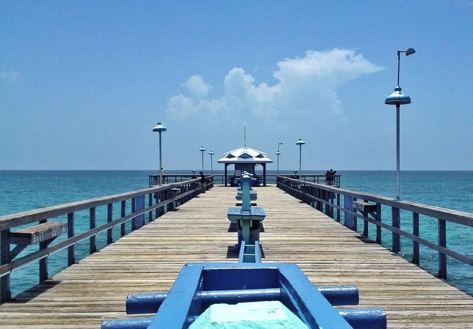 Anglins Pier, Lauderdale-by-the-Sea, Florida (photo credit flickr: Juanjo Gutierrez )