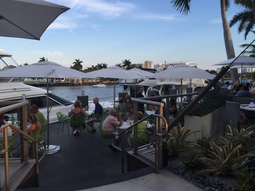 Kaluz Restaurent Outdoor Dining, Fort Lauderdale
