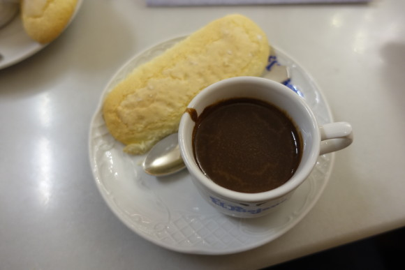 Madrid Food Tour - Confitería El Riojano - Home-baked biscuit dunked in warm chocolate
