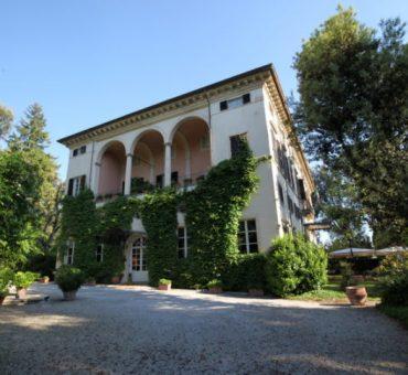 Hotel Villa La Principessa – Old Charm Villa in Lucca, Italy