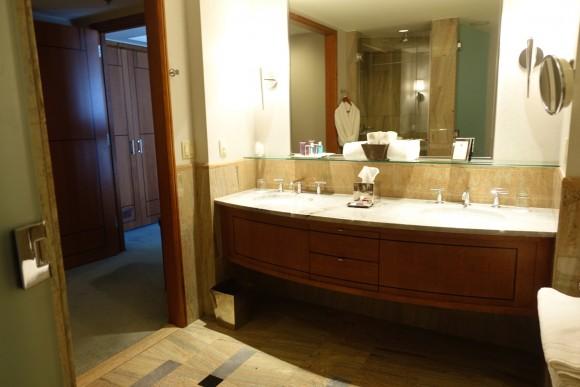 One Bedroom Suite Bathroom - The Ritz Carlton