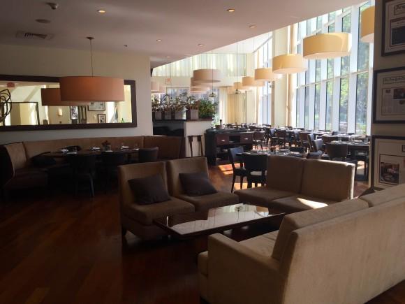 BLT Steak White Plains dining area