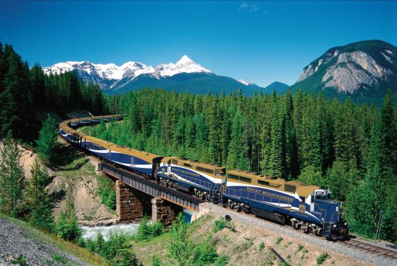 Rocky Mountaineer Train (Image Source: Rocky Mountaineer)