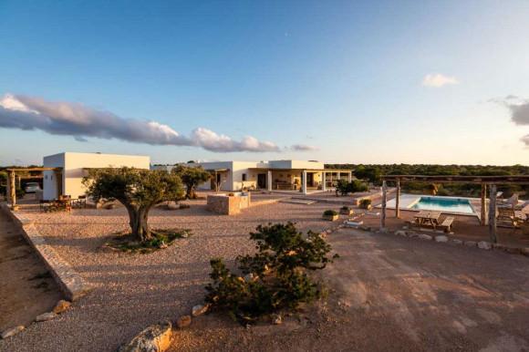 Villa Es Drap, Formentera Pool Area (Image Source: MyPrivateVillas.com)
