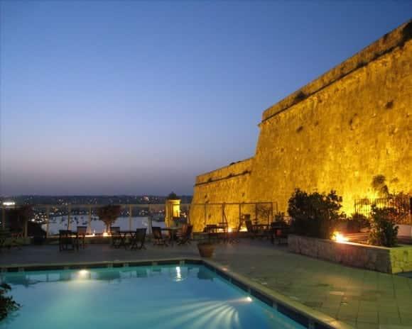Top ten luxurious hotels in malta carmen edelson for Pool design malta