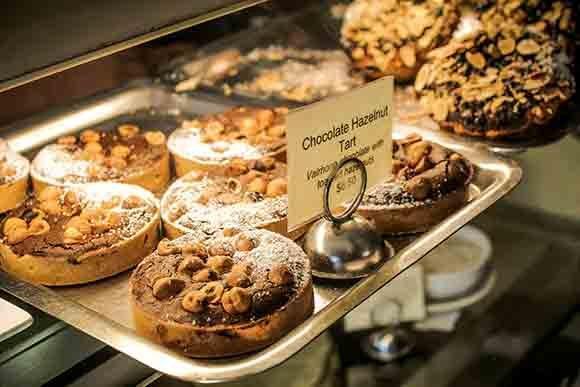 Tartine Bakery and Cafe, San Francisco (Photo: Jen L)