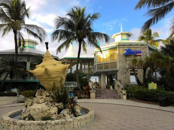 Breezes Bar & Grill at Key Largo Bay Marriott Resort