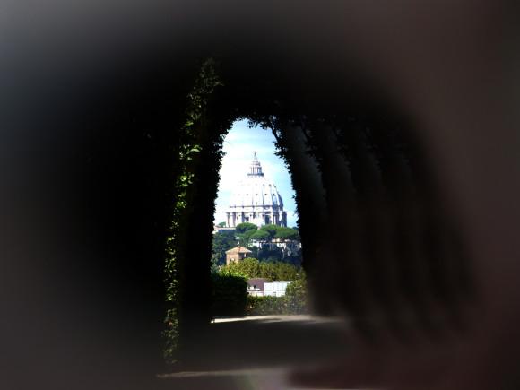 Peep hole Rome