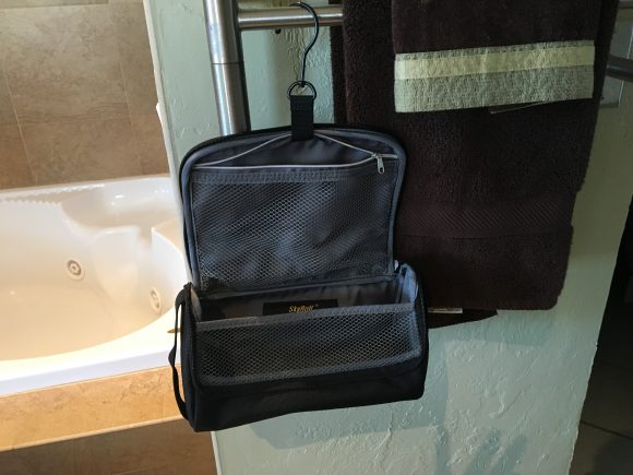 SkyRoll Toiletry Kit