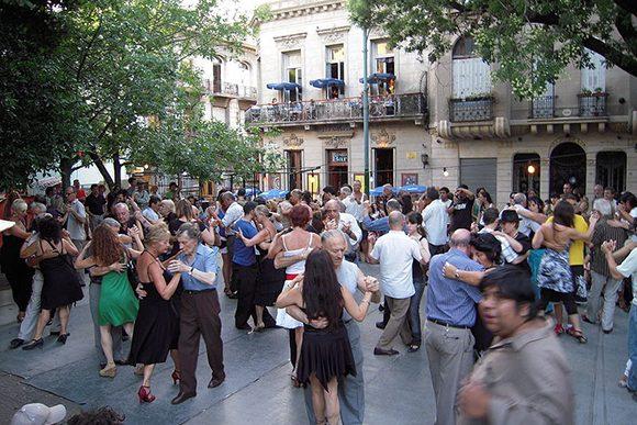 San Telmo Plaza Dorrego (Image : Wikimédia) under the Creative Common License
