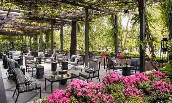 Terraza-Lounge (Image Courtesy of Hotel Villa Magna)