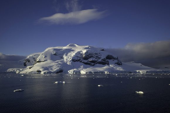 Drake Passage, Antarctica Flickr: Sura Ark used under the CC License