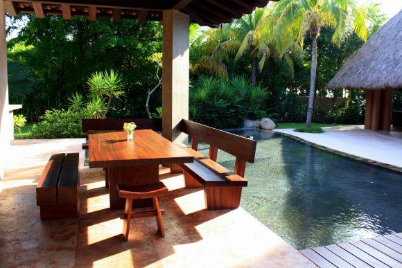Outdoor Dining Area at Casa Majani