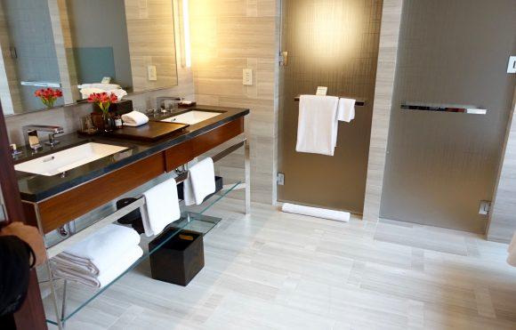 Park Hyatt New York - Park Deluxe King Room Bathroom