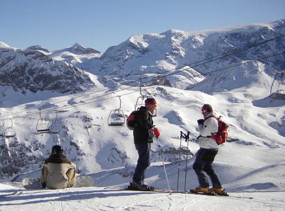 Courchevel Skiers - Photo by Skier under the CC License