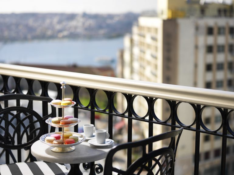 Deluxe Golden Horn King Room Balcony View - Pera Palace Istanbul
