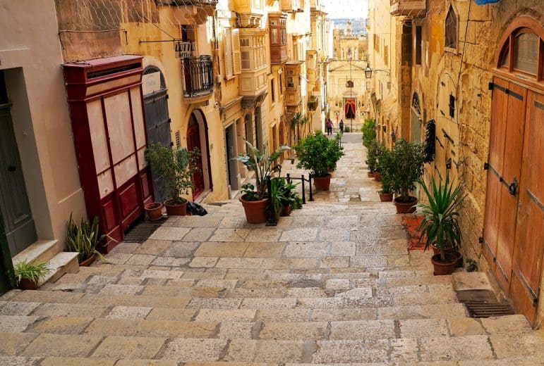 Hidden Walkways in Valletta - Malta