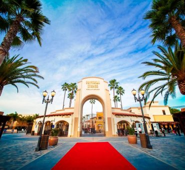 Explore Universal Studios Hollywood & Enjoy the Benefits of a Universal Express Ticket