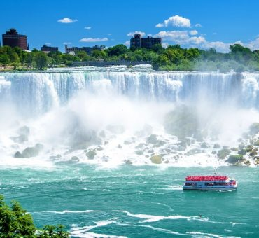 5 Ways to See Niagara Falls in Style