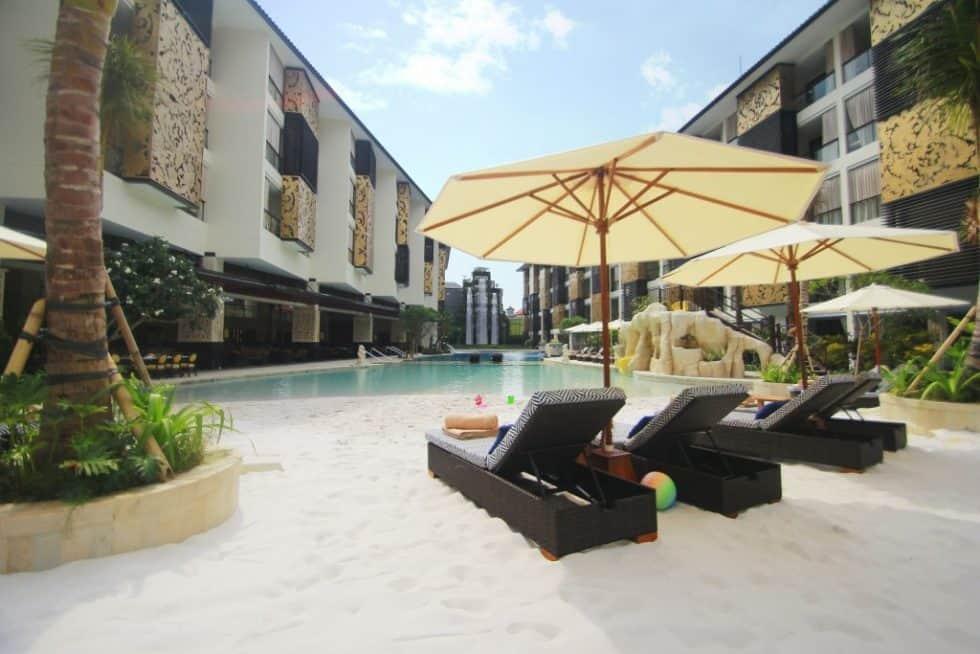 White Sandy Beach Pool - The Trans Resort Bali