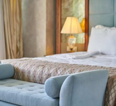 6 Easy Steps to Recreate the Hotel Feel at Home